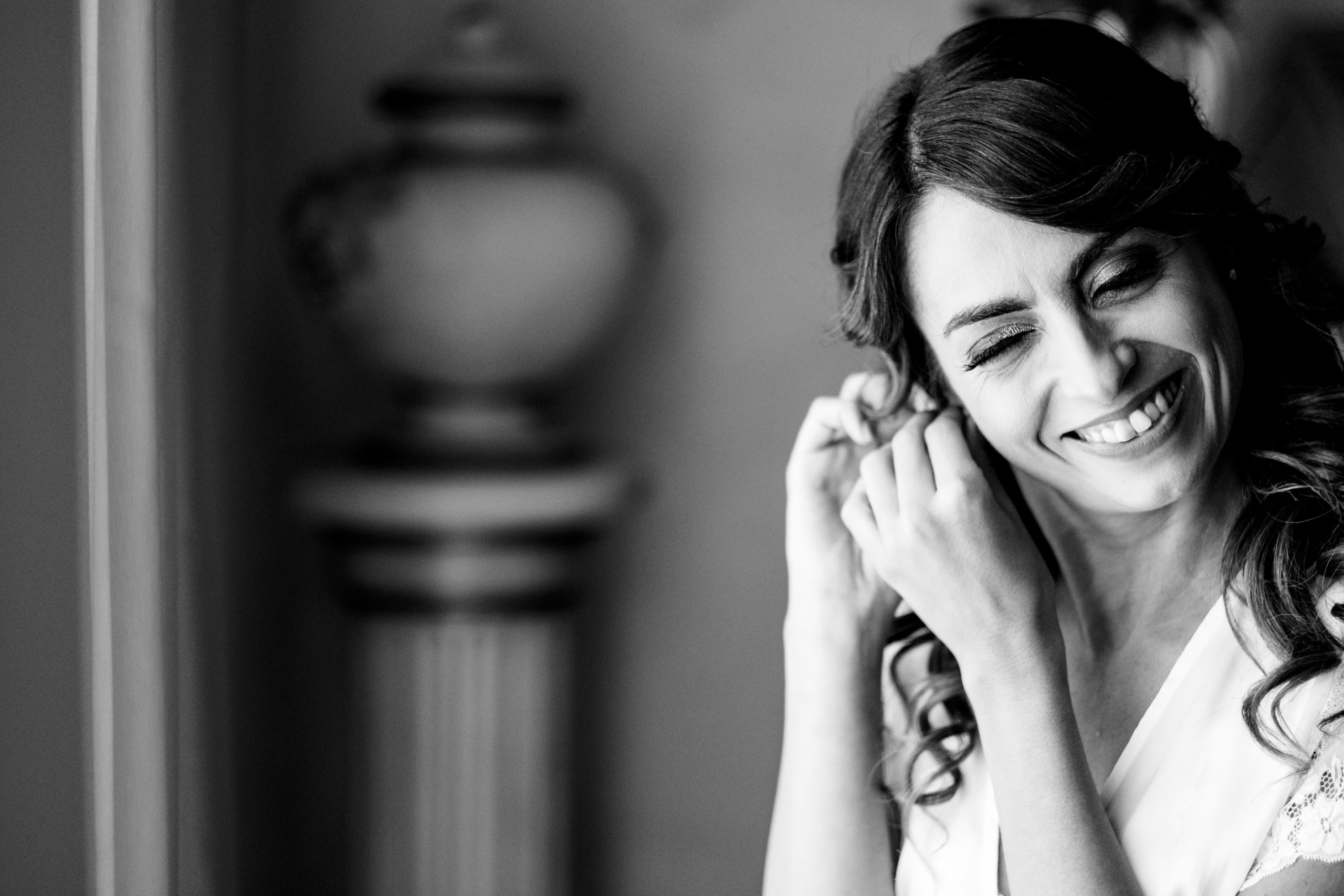 wedding in diamante calabria italy Bride Getting Ready and smiling